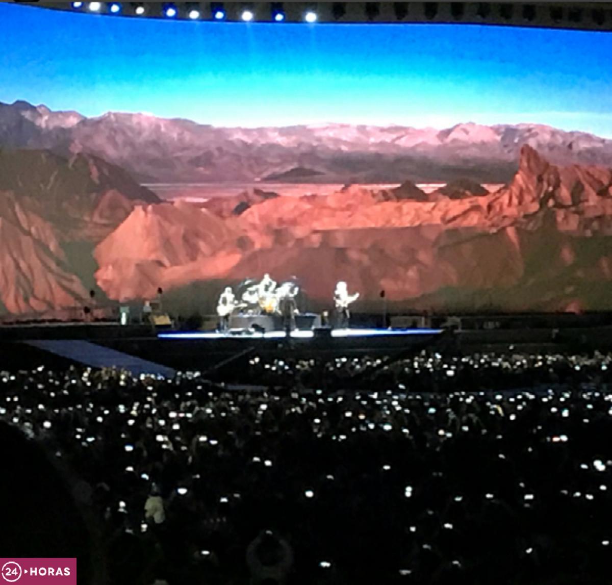 U2 homenajea a Violeta Parra en concierto
